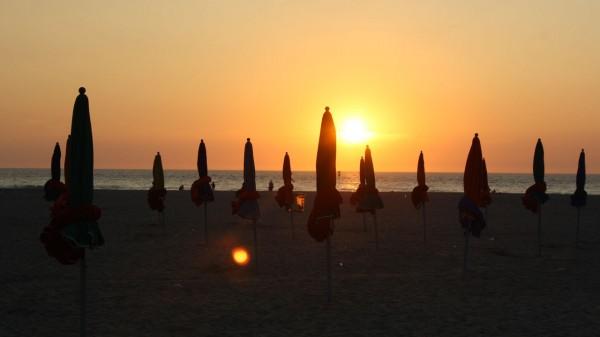 Coucher de soleil sur la plage à Deauville