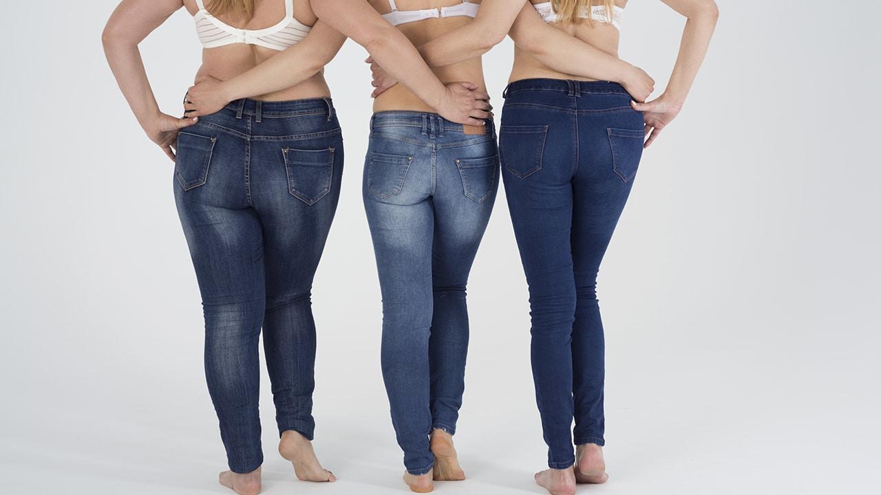 différences mom jeans et jeans boyfriend